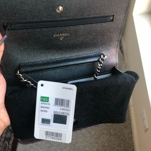 Chanel Iridescent Caviar Quilted Wallet On Chain